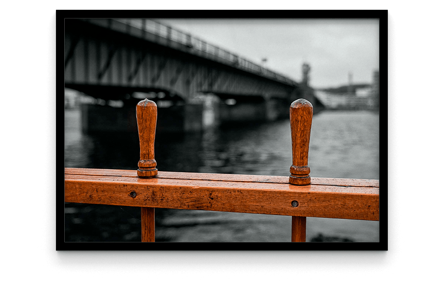 Limfjordsbroen er en bro der forbinder Nørresundby og Aalborg over Limfjorden. Broen blev indviet 30. marts 1933 foto og plakat af Aalborg og kunst af Nordjylland Speciel lavet plakat i mange størrelser og unikke størrelser og motiver af Aalborg, Frederikshavn og Nordjylland
