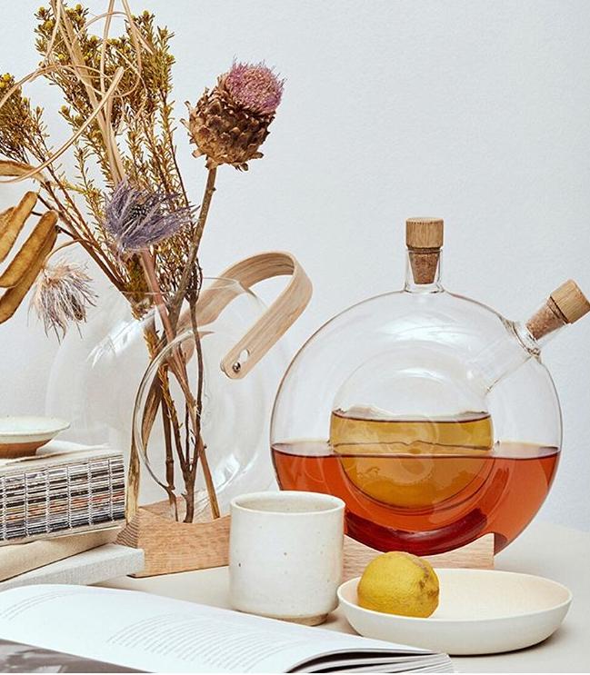Handle vase by Mater - Design Eva Harlou
