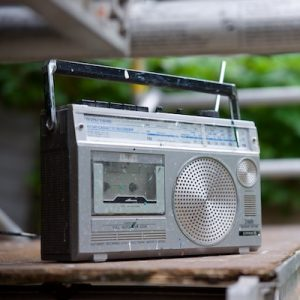 Blog: Podcast can kill the radio uitgelichte afbeelding van transistorradio
