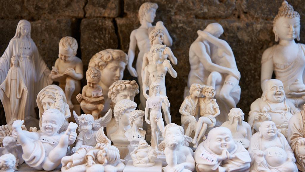 242-2013 Buddha in San Gimignano