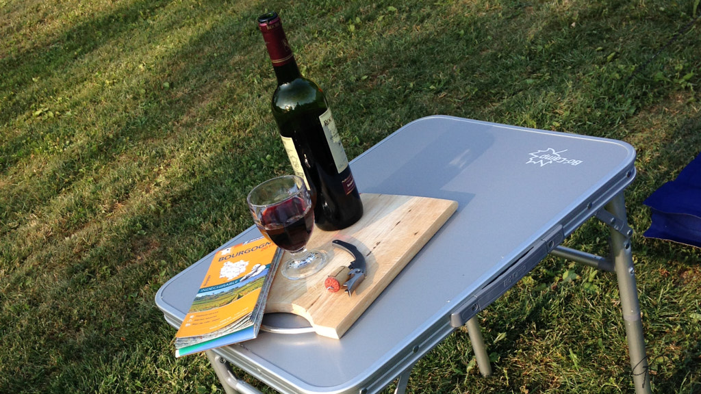 194-2015 Wijn en klaptafeltjes
