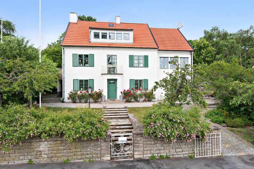 Trädgård i Ronneby. Hus med trädgård till salu