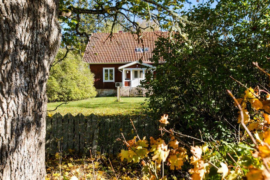 Skogsvaktarbostaden. Hus med trädgård till salu