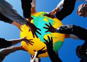 حوار الثقافات في ضوء التوازن العالمي