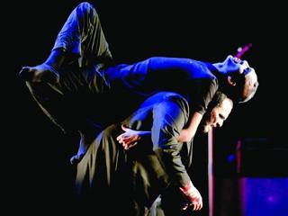 «رجال تحت الأرض» من خارج المسابقة الرسمية «فرجة مسرحية» تجمع الصوفية والسومرية والفرعونية