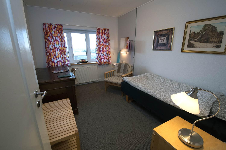 Hotel Lolland, enkelt værelse med bad og toilet på gangen