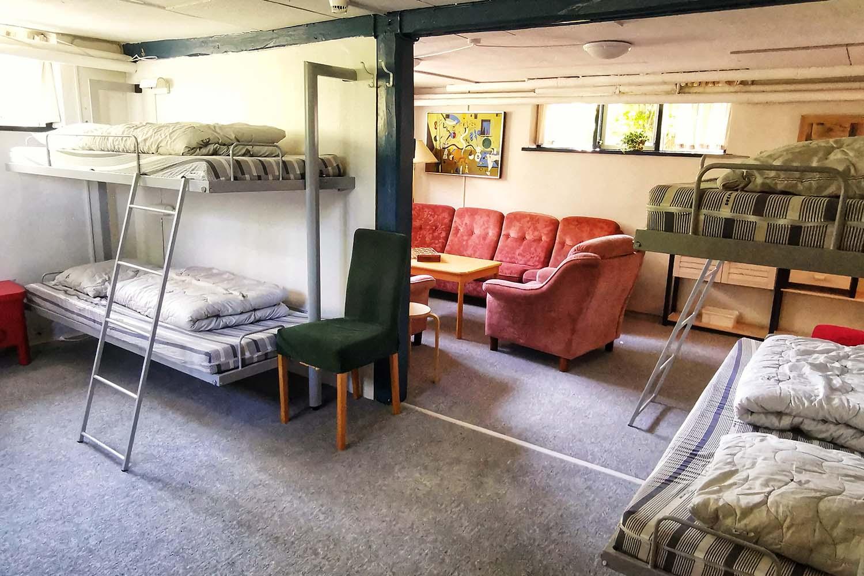 Sovesal Hotel Lolland, stue og senge