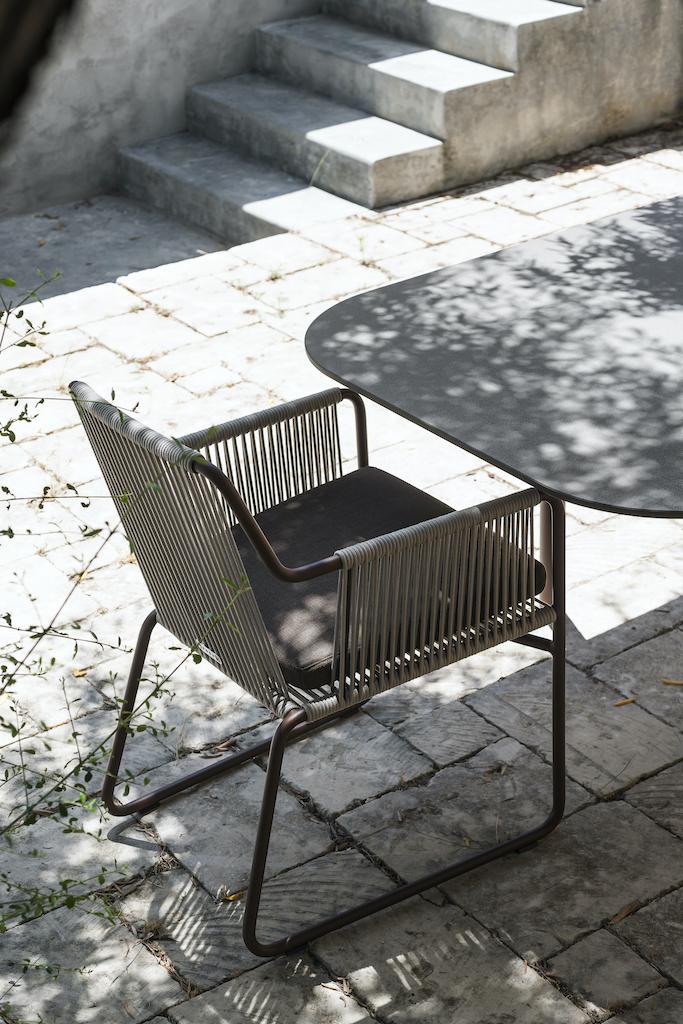 Roda_Harp_armchair
