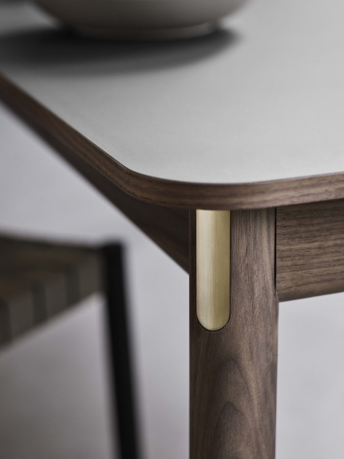 &Tradition-PatchTable-detail-walnut