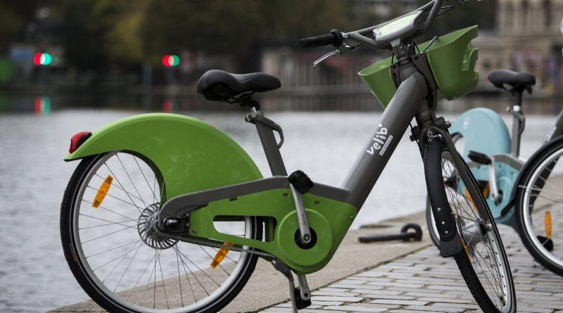 het Véligo deelfietsen systeem stelt elektrische fietsen ter beschikking in Parijs
