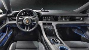 het interieur van een Porsche Taycan