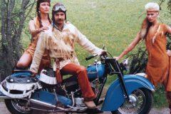 Bobo Fransén-Reportage-i-tidningen-Bike-om-skinnkläder.-Någon-gång-1983-84