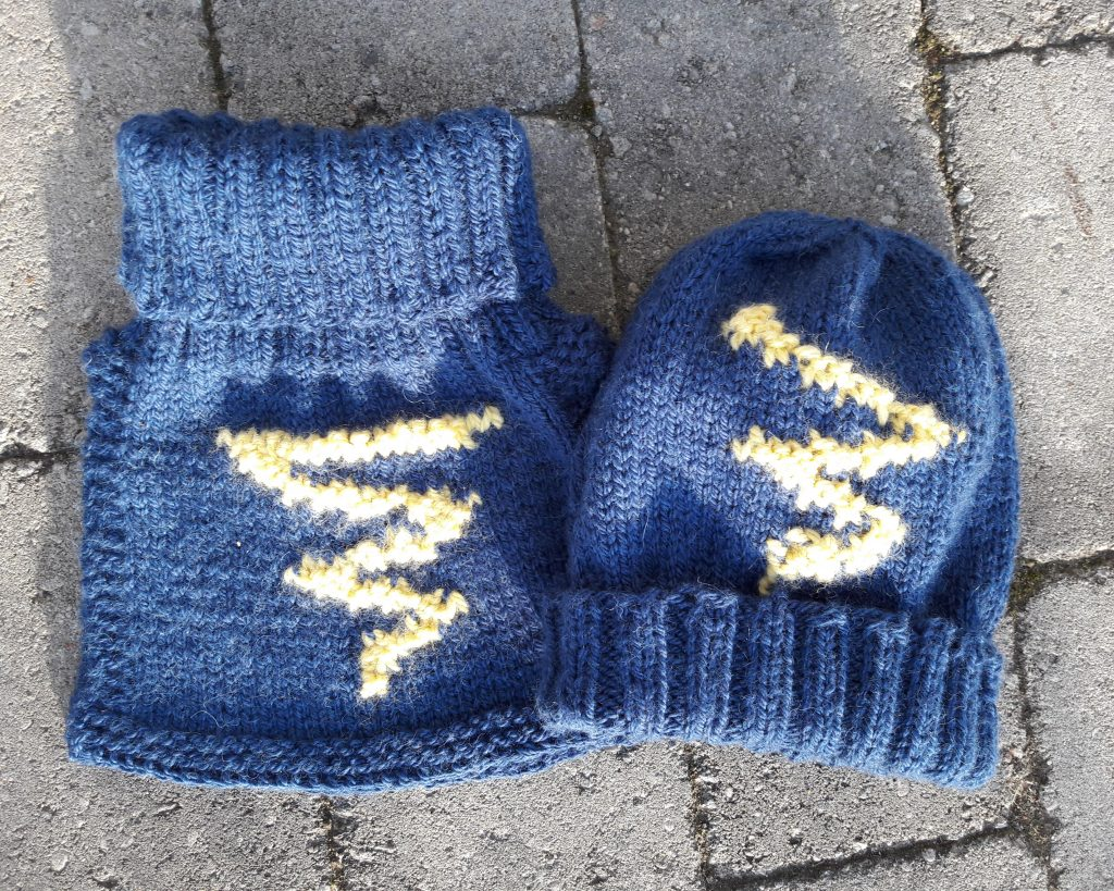 Knitted hat and neck warmer Lightning by Aud B
