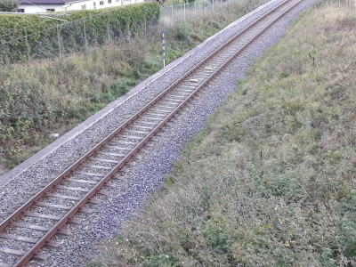 train track lines