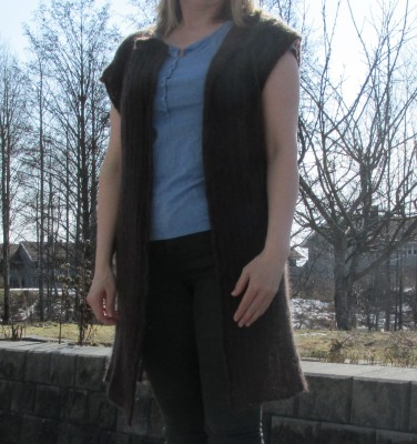 Pattern site for the knitted vest Linjer.