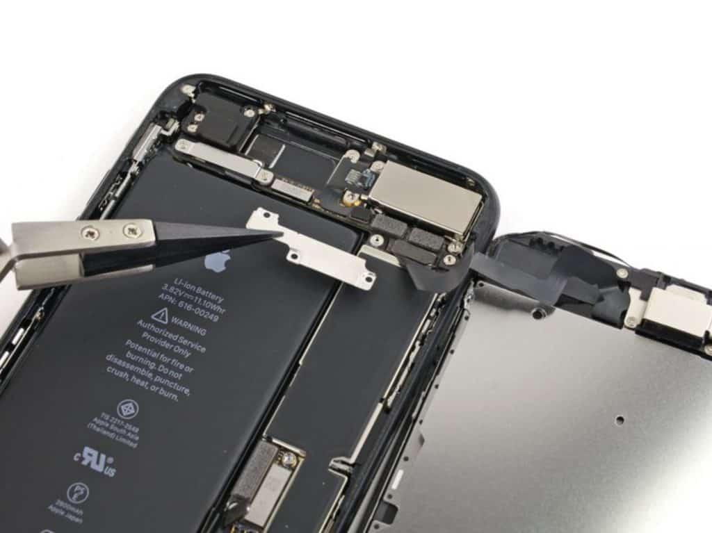 Bytte skjerm iPhone 7 Plus - 17