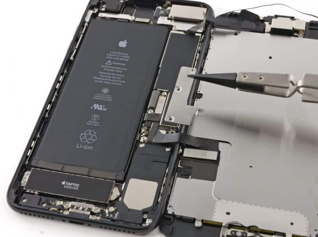 Bytter skjerm iPhone 7 Plus - 12
