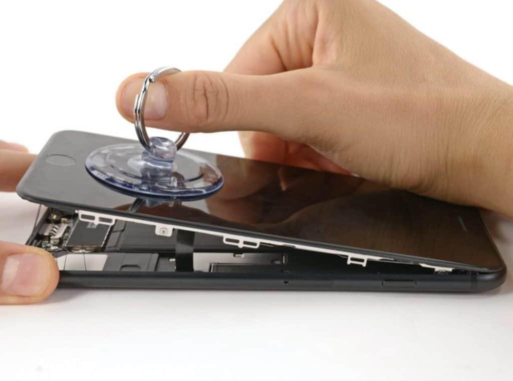Bytter skjerm iPhone 7 Plus - 7