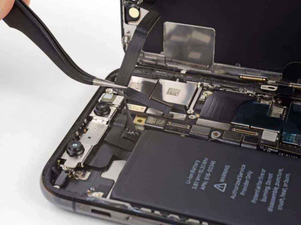iPhone X skjermbytte 18