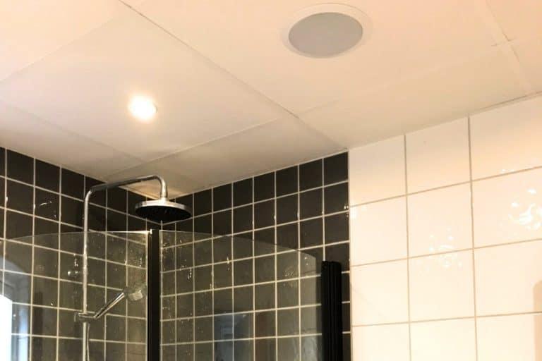 Högtalare i badrum