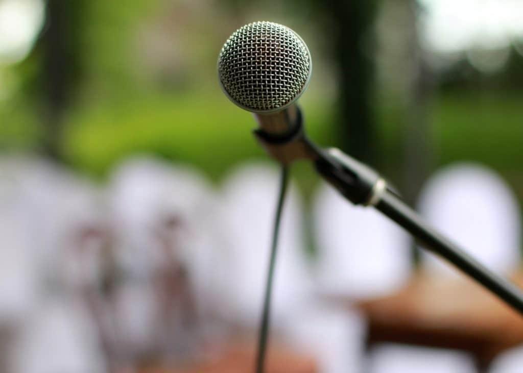 Mikrofon på stativ