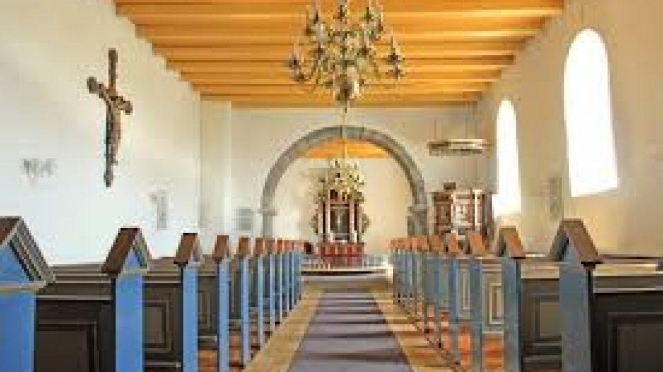 lyby Kirke Gudstjenste Kirkebænke