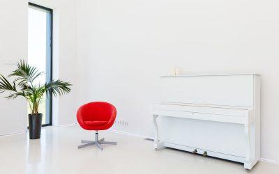 Så flyttar vi piano och andra tunga saker, ur en liten lägenhet och smal trappa
