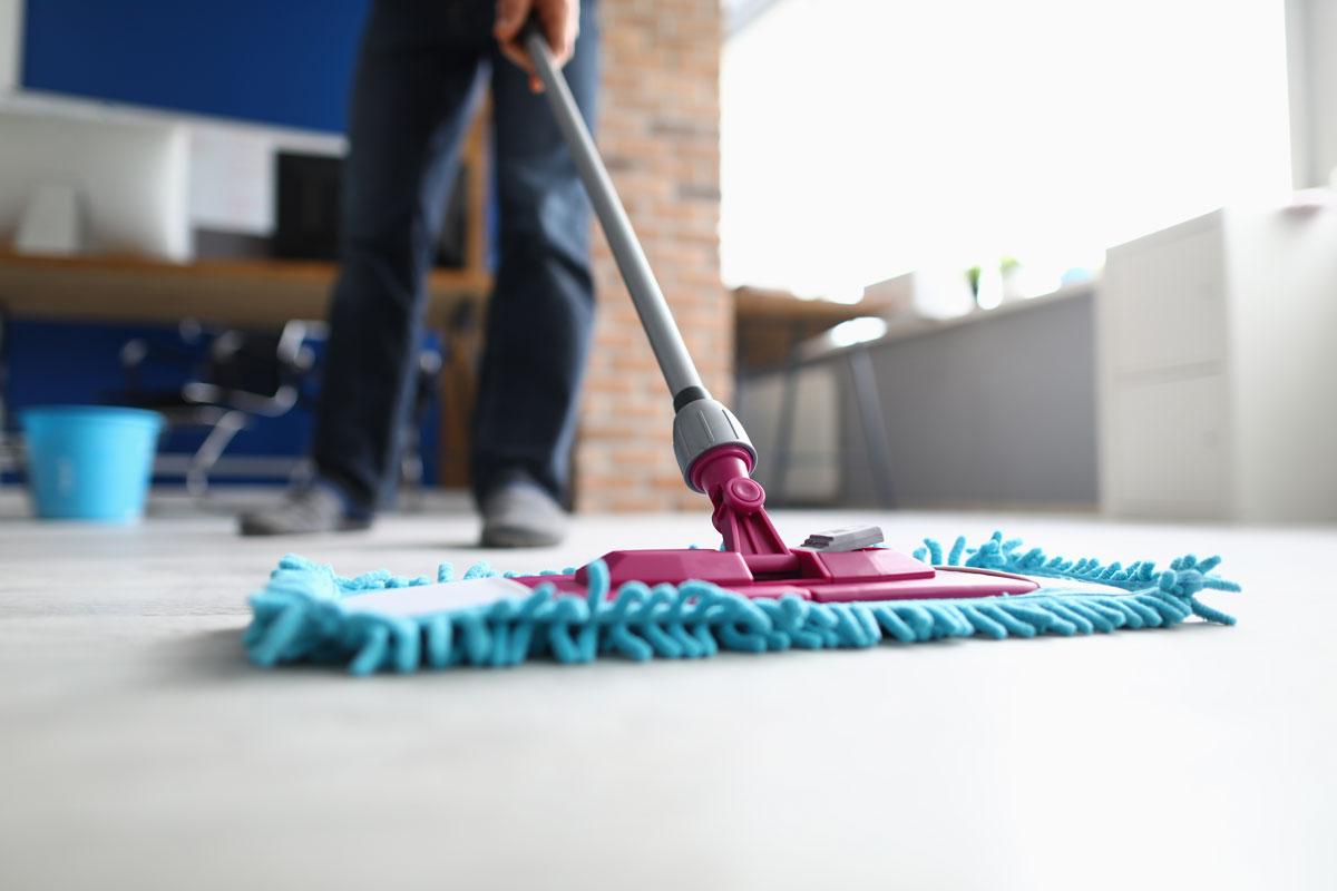 Femstegsprogram för bättre städning på arbetsplats