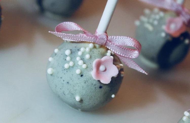 Glutenfria oreo cake pops