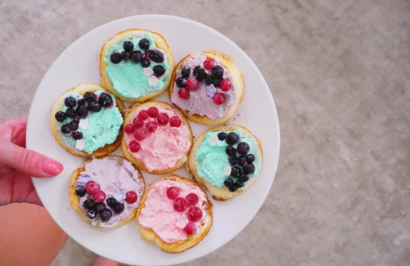Färgglada pannkakor