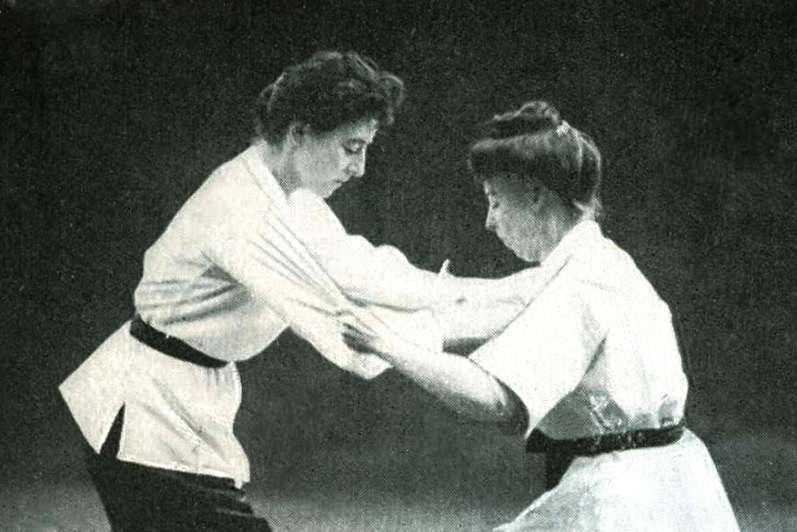 Ju_Jitsu_by_Mrs_Roger_Watts_on_the_left
