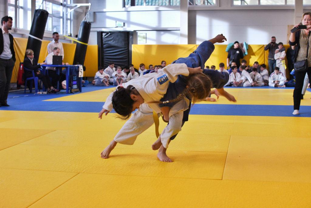 sport child competition children kids wrestling fight struggle tatami judo t20 XxJmnX