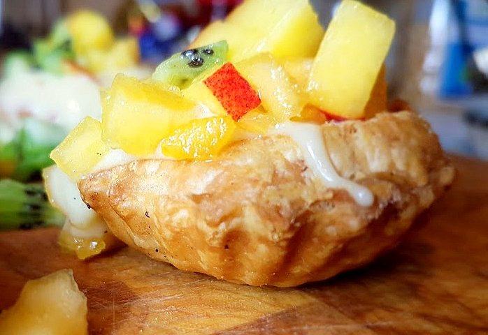20180201 202253 698x480 - Babeczki z ciasta francuskiego z crème pâtissière z koniakiem i owocami