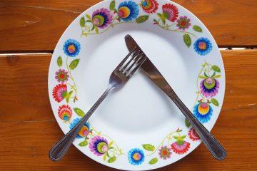 20180418 124615 360x240 - Wokół stołu – pięć przykazań, jak zachować się przy stole.