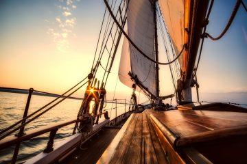 sailing 2542901 1920 360x240 - Wino pod żaglami - winnice Dalmacji