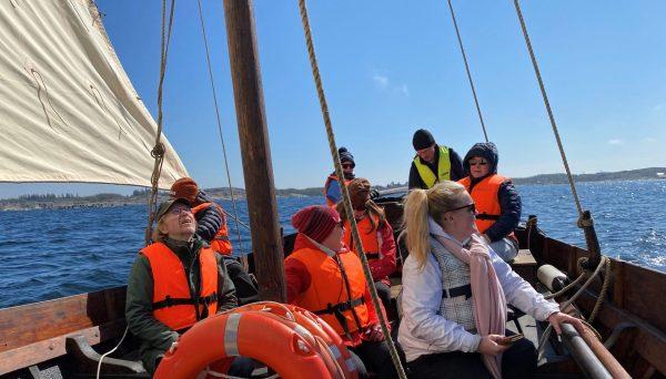 ihmiset veneessä2