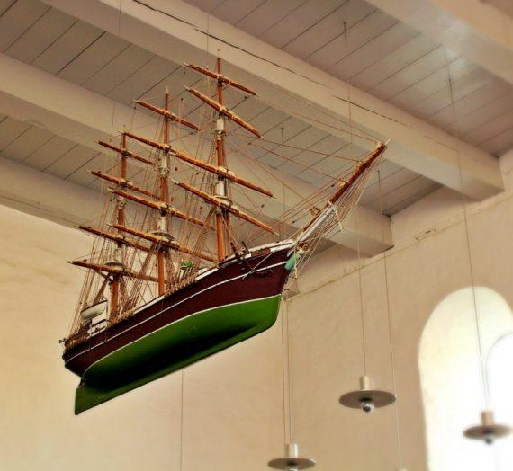 Hvad er det? Modellschiffe in dänischen Kirchen