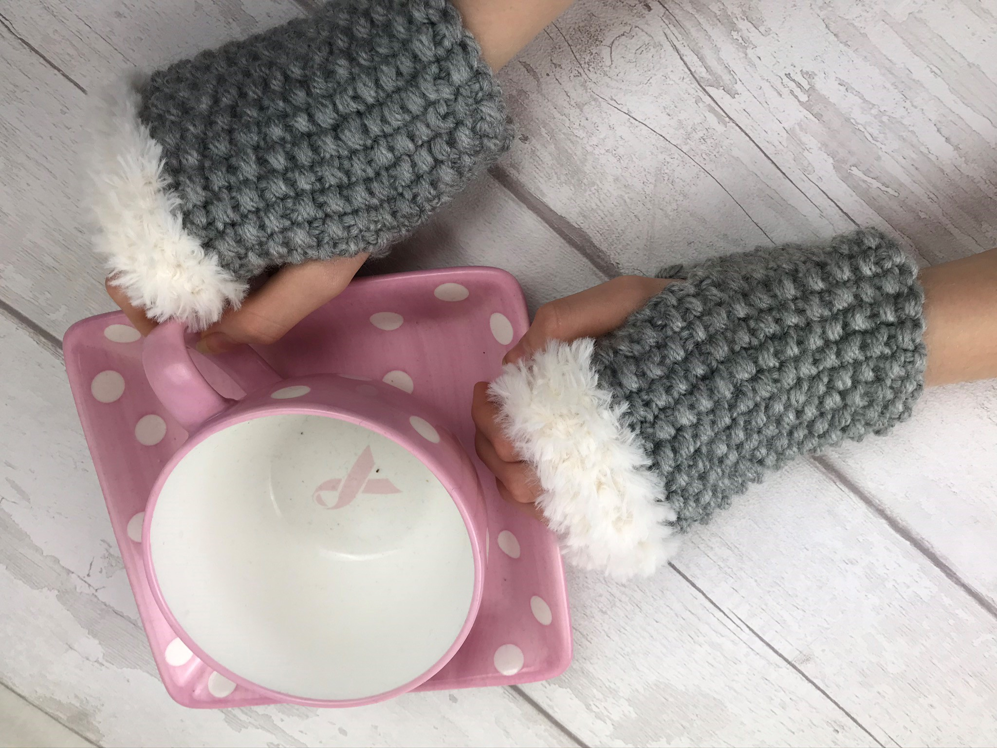 Super Chunky Fingerless Gloves Knitting Kit