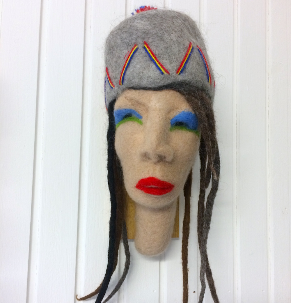 Monika Eriksson Textil | Torrnålstovning 35 x 14 x 18 cm 3 000 kr ulldesign.se