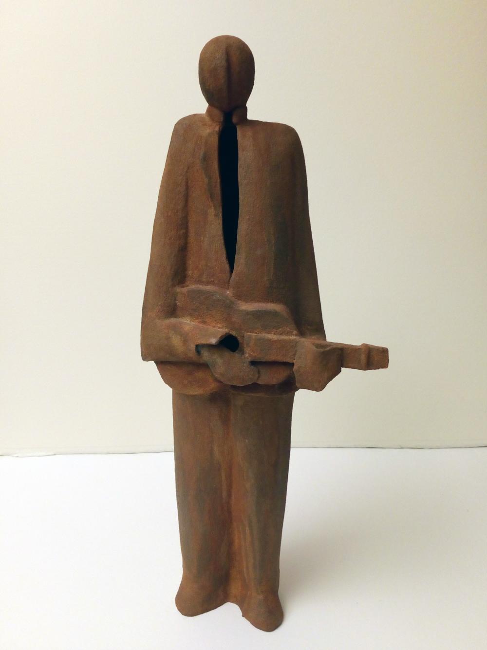 Lars-Lennart Stenberg Skulptur   Patinerat stengods  H43 x B17 x D14 cm  4 500 kr