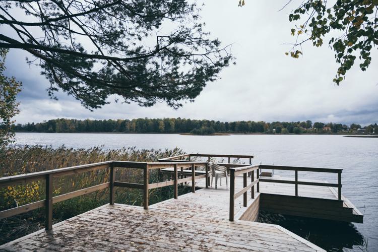 brygga vid sjön snickare eksjö korneliussens bygg