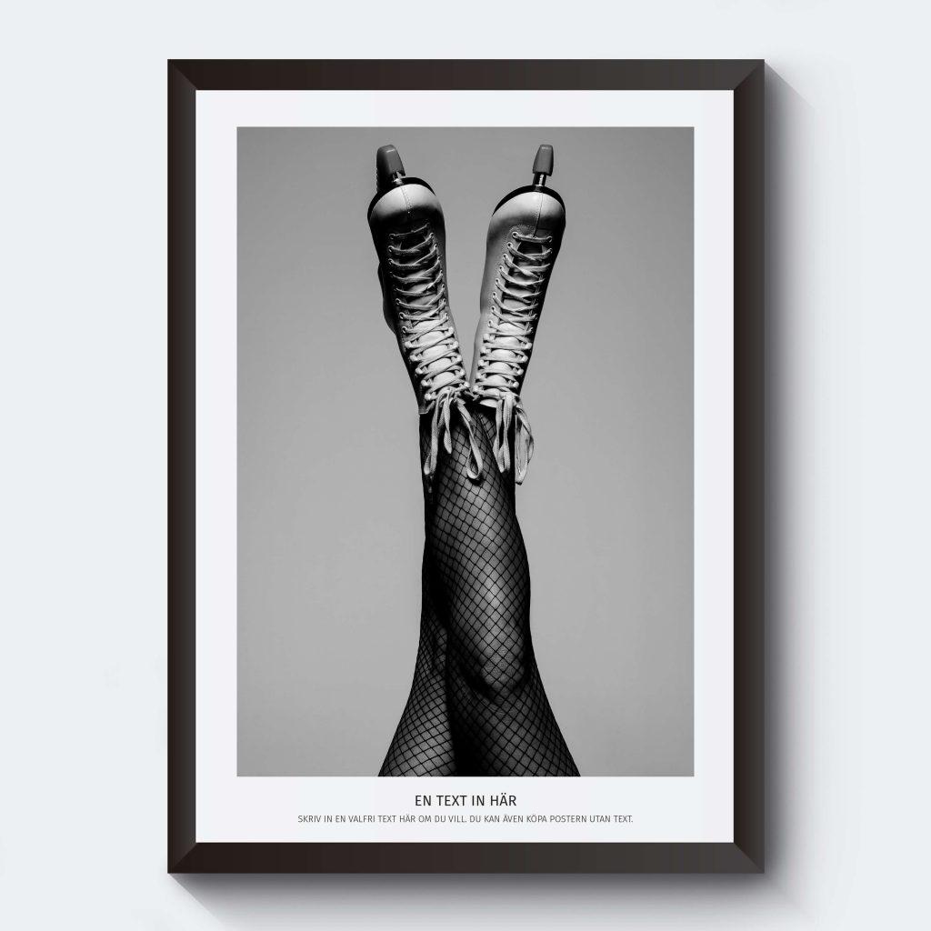 Svartvitt foto ben kvinna med egen text