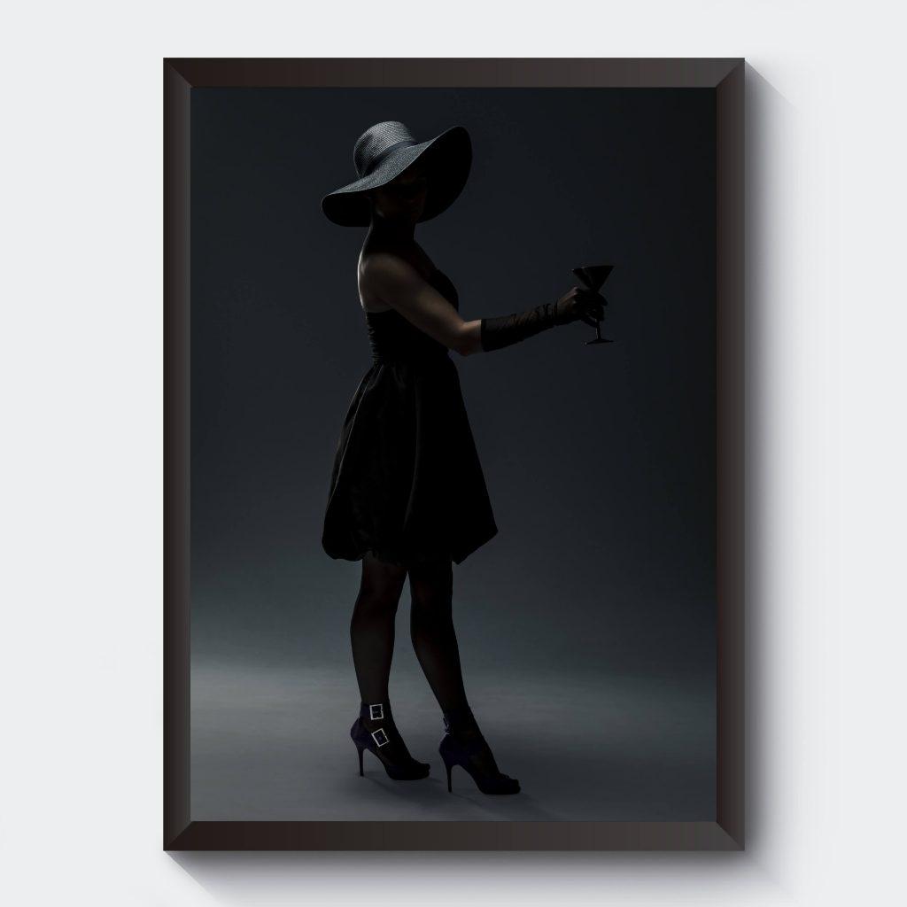 Svartvitt fotografi kvinna klänning