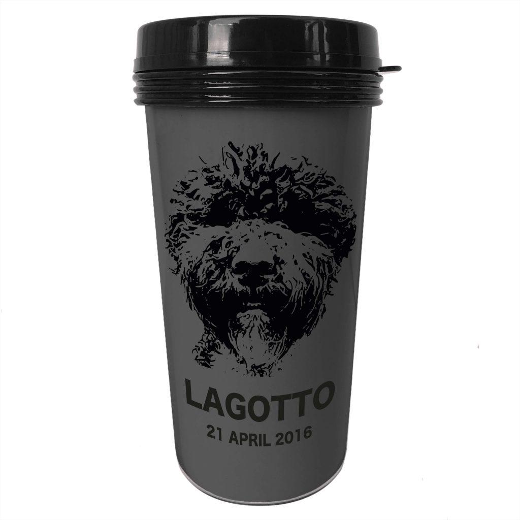 Personlig kaffetermos med hundmotiv och egen text.