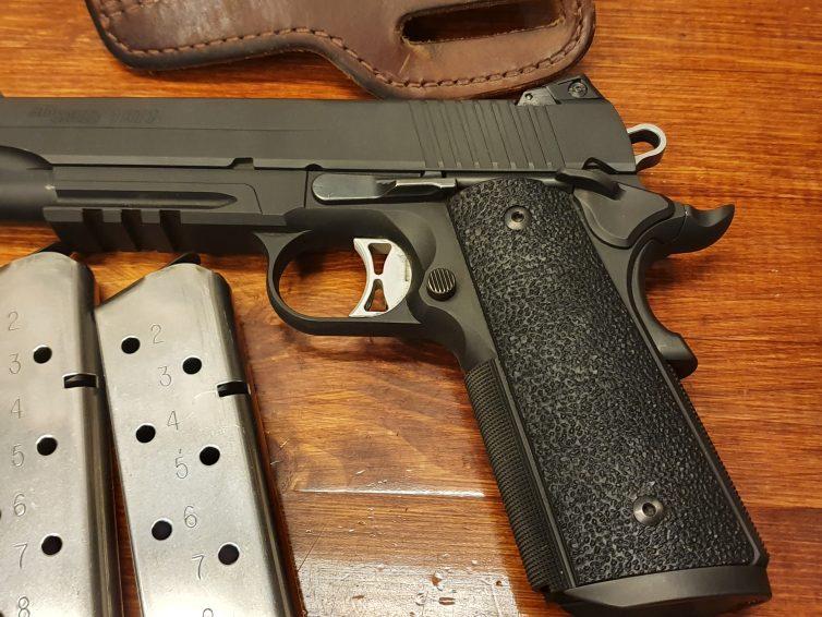 Pistoler till salu