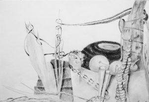 Bleistiftzeichnung eines Stilllebens mit Gefäßen und Kugeln und Seilen