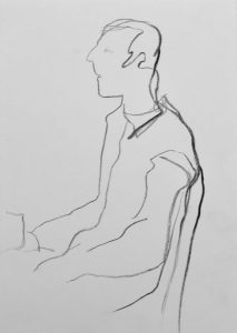 Kohlezeichnung eines sitzenden Mannes