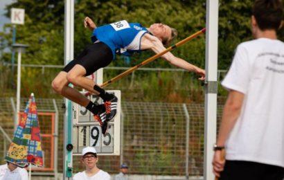 Fabian springt Vereinsrekord und Sarah kratzt an DM-Norm