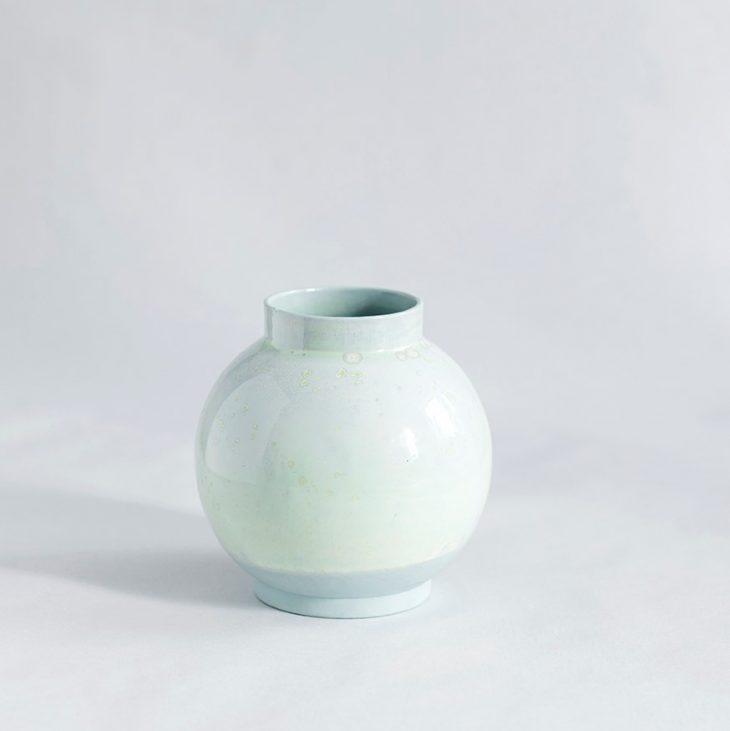 Vase Lille Rund I Grønt Ler Med Grøn Krystalglasur