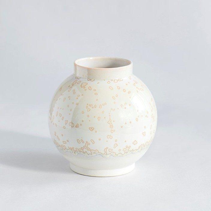 Vase Stor Rund I Hvidt Ler Med Beige Krystalglasur